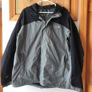 Mountain Hardwear raincoat/shell